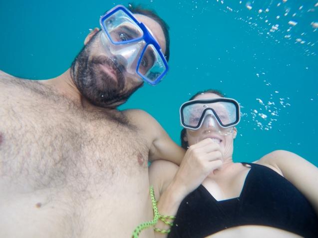 Snorkeling was fun when waves were weak.
